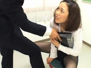 Off colour office bitch totally dominates her slutty colleague